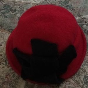 Accessories - Red Wool Felt Hat w/Black Bow Detail